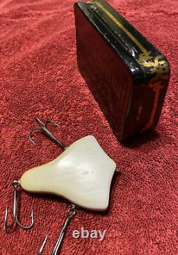 Scarce Howes Vacuum Bait Rare Antique Fishing Lure With Tin
